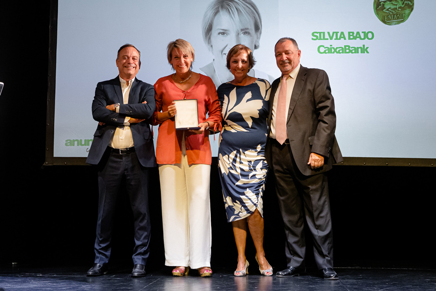 Premio-Eficacia-a-la-Trayectoria-Profesional.-Silvia-Bajo-(CaixaBank)